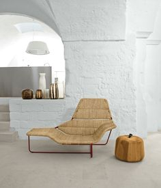 One-off rattan version of the gorgeous Lama chaise longue, originaly designed in leather or PVC for Zanotta by Italian architects Ludovica and Roberto Palomba.