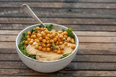 I came across the idea of 'Buddha bowls' when I was writing my vegan book with Leo from Zen Habits. These chickpea buddha bowls live up to the name! Vegetarian Chickpea Curry, Chickpea Recipes, Quick Recipes, New Recipes, Vegan Recipes, Delicious Recipes, Roasted Onions, Roasted Sweet Potatoes, Vegan Books