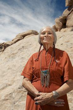 Native American Choctaw/Chickasaw Elder Wyvonia Riddle ▲ Leslie Crow, Heyoka Leather