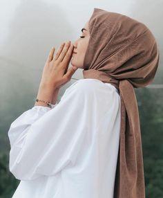 Hijab Mode Inspiration, Style Inspiration, Latest Outfits, Fashion Outfits, Casual Hijab Outfit, Pakistani Girl, Modest Wear, Hijab Stile, Beautiful Hijab