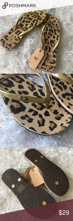 FREE WATERS FLIP FLOPS Gold and cheetah print. Free Waters Shoes Sandals