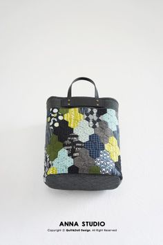 Japanese Bag, Patchwork Patterns, English Paper Piecing, Quilted Bag, Purses And Bags, Diy And Crafts, Quilts, Fabric, Handmade
