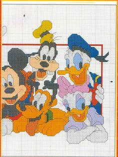 Cross stitch pattern with Disney characters - free cross stitch patterns crochet knitting amigurumi Disney Stitch, Dagobert Duck, Mickey Mouse, Stitch Cartoon, Cross Stitch For Kids, Cross Stitch Needles, Afghan Patterns, Mickey And Friends, Disney Crafts