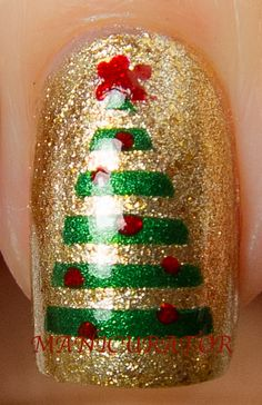 manicurator: Digit-al Dozen's Holiday Week - Christmas Nail Art