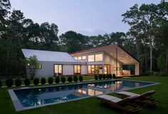 An East Hampton Retreat With A Large Outdoor Room - Design Milk