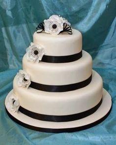 Simple yet elegant. #ladyccreation #cake #weddingcake #sugararts #chocolate
