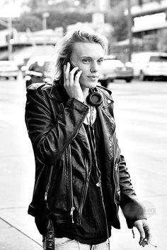 Although I am not a fan of nose rings especially on guys, I think Jamie Campbell bower looks great. I like his outfit a lot.