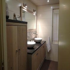 Landelijke badkamer gerealiseerd door Sanidrome Scharenborg uit Haaksbergen.