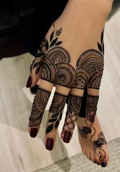 Explore Best Mehendi Designs and share with your friends. It's simple Mehendi Designs which can be easy to use. Find more Mehndi Designs , Simple Mehendi Designs, Pakistani Mehendi Designs, Arabic Mehendi Designs here. Henna Hand Designs, Dulhan Mehndi Designs, Mehndi Designs Finger, Basic Mehndi Designs, Mehndi Designs For Girls, Mehndi Designs For Beginners, Beautiful Henna Designs, Mehndi Designs For Fingers, Mehndi Design Images