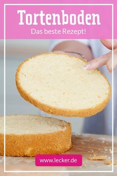 Tortenboden backen – das beste Rezept It should be nice and airy and still juicy! We explain step by step how to make the perfect cake bottom. Food Cakes, Baking Cakes, Easy Cake Recipes, Baking Recipes, Snacks Sains, Good Food, Yummy Food, New Cake, Savoury Cake