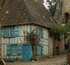 fairytale-europe:    Gerberoy, Picardie, France