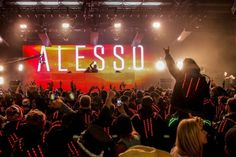 Swedish superstar DJ Alesso revealed breathtaking new stage setup with mesmerizing graphics, sharp lasers and mobile lights. [VIDEO]