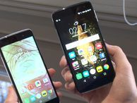 Alcatel Idol 4 and 4S rock context-sensitive hardware key Alcatel's swankiest new smartphones aim to get you a lot of hardware for less cash. We go hands-on.