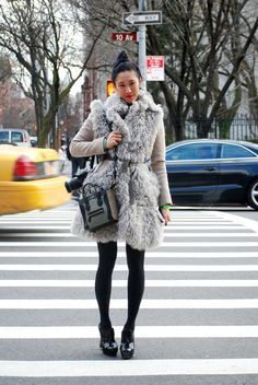 That Celine bag on editor Eva Chen Fur Fashion, Winter Fashion, Eva Chen, Pretty Outfits, Pretty Clothes, Elements Of Style, 2014 Trends, Style Snaps, Fall Winter Outfits