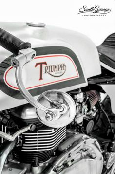 CAFE' RACER CULTURE: triumph I like that mirror!