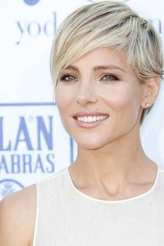Super Ideas For Hair Cuts Short Blonde Pixie Hairstyles Short Blonde Pixie, Short Pixie Haircuts, Pixie Hairstyles, Short Hair Cuts, Short Hair Styles, Long Pixie, Blonde Pixie Haircut, Trendy Hairstyles, Short Cropped Hairstyles
