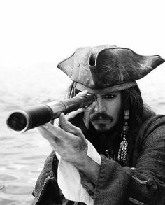 johnny depp, jack sparrow, and pirates of the caribbean resmi Captain Jack Sparrow, Jake Sparrow, Film Pirates, Disney Pixar, Film Anime, What Dreams May Come, The Lone Ranger, Pirate Life, Film Serie
