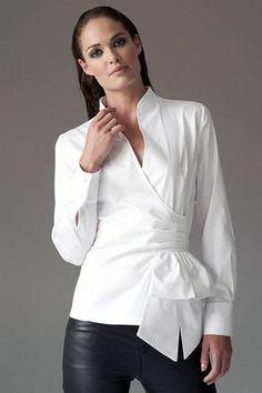 Wrap-around, crisp white blouse 😍 Classic White Shirt, Crisp White Shirt, Black Leather Leggings, Black Skinnies, Black Pants, Business Outfit, Business Casual, White Tops, Black White