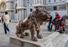 lions in venice | Lions in the Piazzetta dei Leoncini next to Piazza San Marco. Venice ...