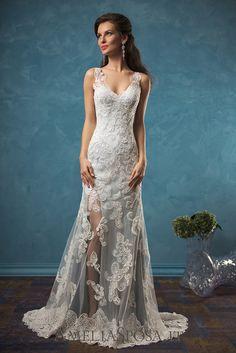 Wedding Dress Damiana, Silhouette: Sheath / Mermaid