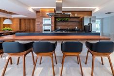 Kitchens planned: see brands, designs and incredible photos - Home Fashion Trend Model Kitchen Design, Kitchen Plans, Kitchen Remodel, Kitchen Decor, Modern Kitchen, Industrial Kitchen Design, Modern Grey Kitchen, Home Kitchens, Kitchen Design