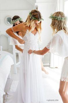Dreamy and creative beach wedding ideas 60 - YS Edu Sky