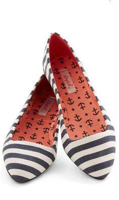 Ideas for wedding shoes navy flats retro vintage Cute Flats, Cute Shoes, Me Too Shoes, Ugg Boots, Shoe Boots, Shoe Bag, Navy Flats, Striped Flats, Moda Vintage