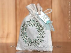 This mini muslin bag, featuring the Circle of Spring stamp set, is my take of the photographed one on page 77 of the Annual Catalogue.  www.creativestamping.co.nz | Stampin' Up! | 2015-16 Annual Catalogue