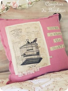La vie en rose... Creations, Decor Ideas, Throw Pillows, Couture, Art Crafts, Bonheur, Fabric, Everything, Toss Pillows