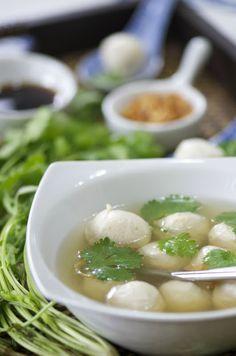 Indonesian Medan Food: Membuat Bakso Ayam Kenyal ( Chicken Balls)