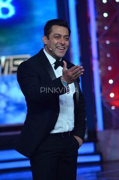Bigg Boss 8 'Finale Ka Twist': Salman bids a grand farewell Salman Katrina, Dream Guy, Shahrukh Khan, Film Industry, Famous Faces, Bollywood Actress, Superstar, Big Big, Tv Shows