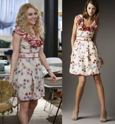 "The Carrie Diaries season 1 finale: Carrie Bradshaw's (AnnaSophia Robb) red ruffle Kate Spade ""Avery"" Sunglasses-Print Dress #getthelook #thecarriediaries"