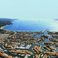 View of Port Grimaud #GolfeStTropez #instagood #holidays #vacances #sun #ilovesummer #sea #mediterraneansea #igerspaca #landscape #landscapelovers #beautifulplaces #jaimelafrance #france #bestplacetogo #provence #ig_france #ig_europe #tourismepaca #frenchriviera #followus #worldcaptures #paradise #seaview #var #cotedazur #instasummer #GolfeSaintTropez #thisissttropez #ohprovence