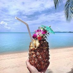 pineapple cocktails straight out of the fruit on the beach. The Beach, Summer Beach, South Beach, Beach Bum, Summer Feeling, Summer Vibes, Weekend Vibes, Summer Of Love, Summer Fun