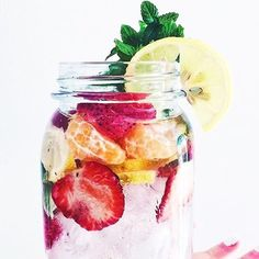 Detox with water, cut fruit, ice, mint, lemon juice & honey! Refreshing & delicious! 🍋🌱🍉🍯🍊🍓🍍  Credit: @tastefullytash #simplyhealthyme  Click follow for your daily dose of delicious healthy food!