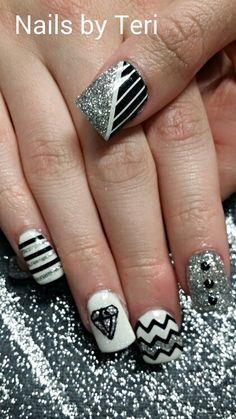Fun black & white nails