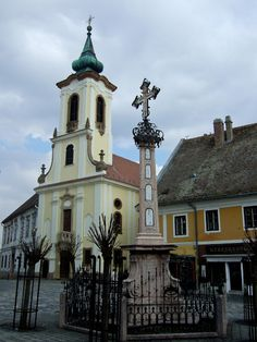 The most popular day trip from Budapest is to Szentendre, a small town with cobblestone streets situated on the banks of the Danube. Budapest Ruin Bar, Budapest Travel Guide, Hungary Travel, Baroque Architecture, Old Churches, Central Europe, Place Of Worship, Budapest Hungary, Best Places To Travel