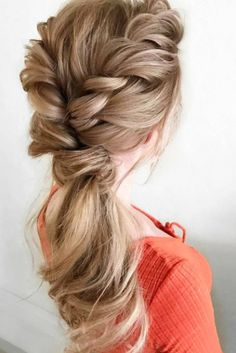 Romantic Ponytail on @hair_by_zolotaya