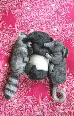 3 Lazy Bones by Swig Goth Baby, Needle Felting Tutorials, Felt Mouse, Clay Animals, Needle Felted Animals, Woodland Creatures, Cool Pets, Wet Felting, Felt Art