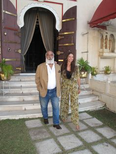 Spending some time with the Maharana of Udaipur, Arvind Singh Mewar who showed me around his majestic and opulent home. Kids Fashion Wear, Fashion Outfits, History Of India, Udaipur, Fashion Labels, King Queen, Camilla, Kaftan, I Dress