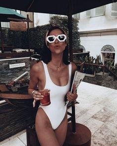 Solid Color Vintage High Cut One Piece Swimsuit Monokini Slimming Buy any 3 item. Swimwear Uk, Trendy Swimwear, Monokini Swimsuits, Vintage Swimsuits, Women Swimsuits, Bikini Vintage, Cheap Swimsuits, Easy Style, Bikini Modells