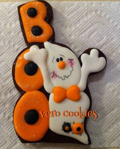 Halloween Cookie - BOO and ghost Fall Cookies, Iced Cookies, Cute Cookies, Holiday Cookies, Halloween Food Crafts, Halloween Sweets, Halloween Cakes, Halloween Boo, Happy Halloween