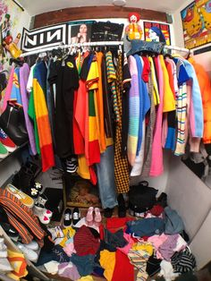 Unif closet