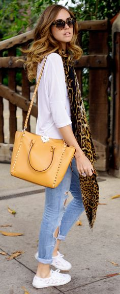 Chiara Ferragni carrying the Valentino Rockstud double handle bag FALL-WINTER 2013/2014 COLLECTIONS