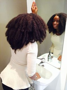Hair afro So Thick! - Black Hair Information So Thick! - Black Hair Information Natural Beauty Tips, Natural Hair Care, Natural Hair Styles, My Hairstyle, Afro Hairstyles, Nice Hairstyles, Formal Hairstyles, Twisted Hair, Pelo Afro