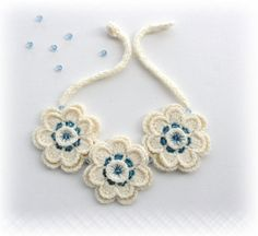 Ganchillo collar Jersey collar Marfil flores por CraftsbySigita