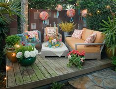 Such a fun little outdoor space.  Of course they could clean the mold off the patio ;)