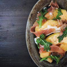 #tgmdr |Farmers market Cantaloupe|prosciutto|olive oil|sea salt|cracked black pepper| #tendergreens #passion #marina #local #eatgoodfeelgood #sidespecial @tendergreens