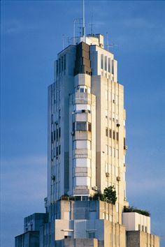 Detalles del Edificio Kavanagh retratado por el fotógrafo Alfredo Martínez