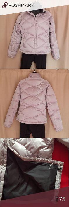 da339c303c Northface Women s Down Silver Puffer jacket Northface silver puffer jacket.  Zipfront. 2 front pockets